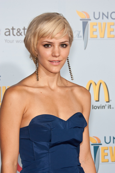 katharine mcphee hair short. Here, Katherine shows how an